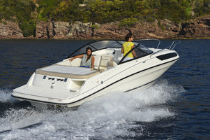 Bayliner VR5 Cuddy med Mercruiser 4.5L MPI 250hk katalysator, Alpha One